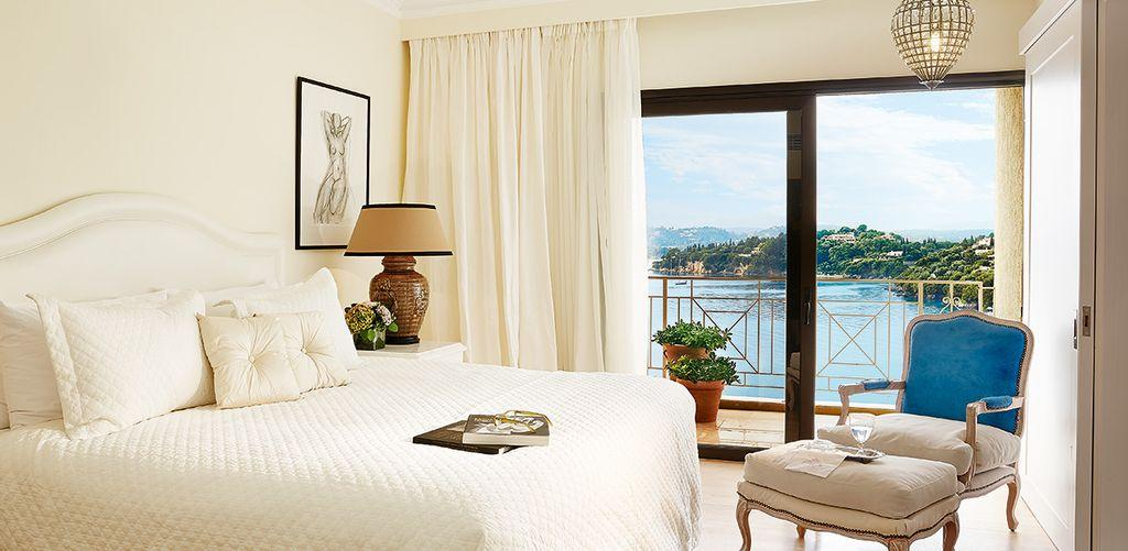 corfu-imperial-deluxe-family-bedroom