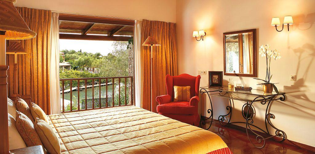 corfu-imperial-dream-villa-bedroom