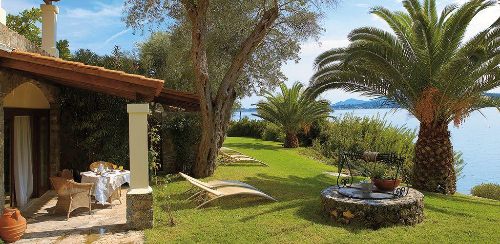 corfu-imperial-junior-bungalow-garden