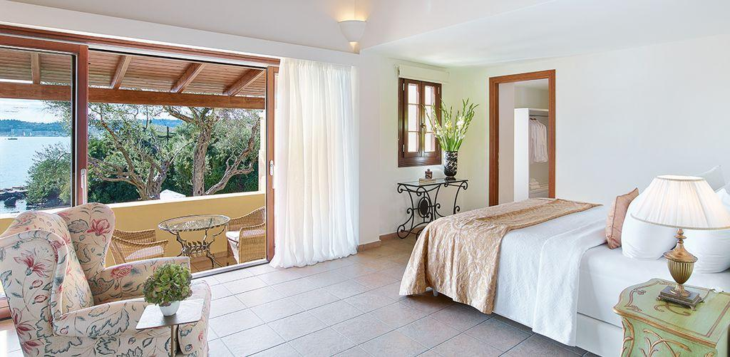 corfu-imperial-two-bedroom-family-bungalow-room