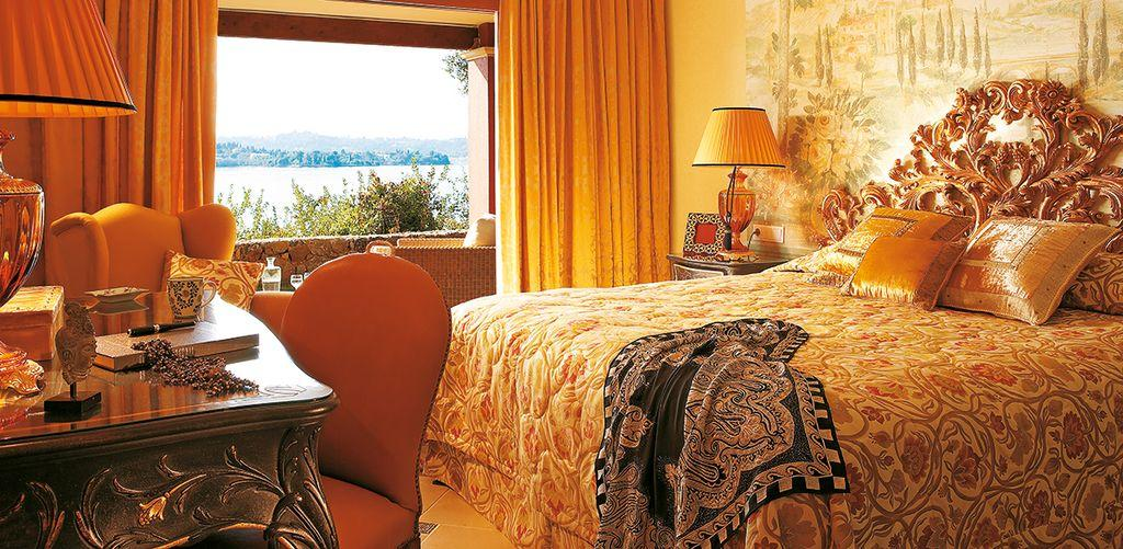 corfu-imperial-waterfront-villa-bedroom