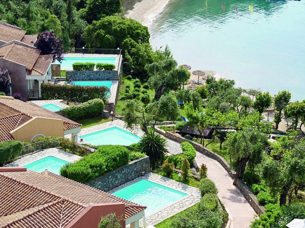 08-Palazzina-Villa-with-2-Private-Pools